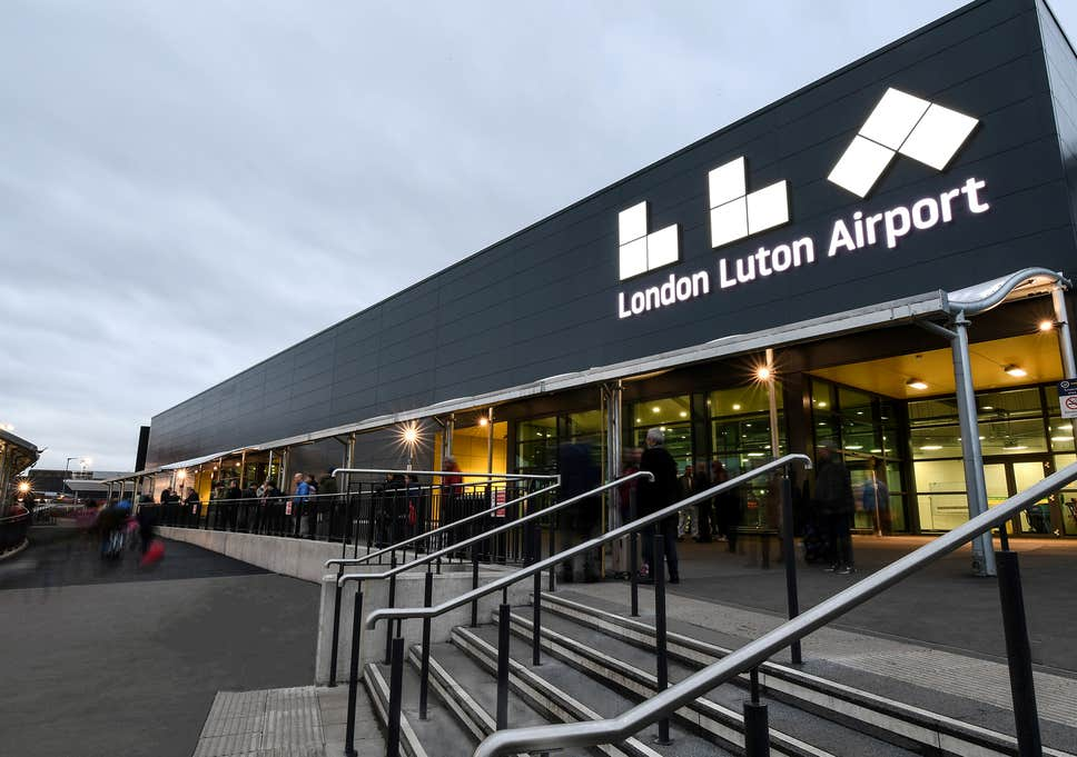 rochester to luton-airport taxi